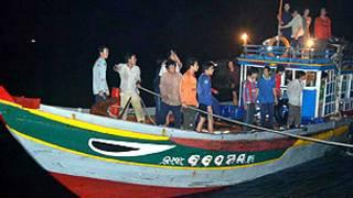 21 ngư dân bị bắt về đến Lý Sơn