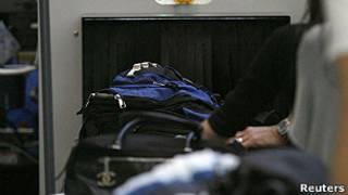 controles de seguridad en aeropuerto de Los Angeles