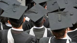 大學畢業生畢業帽