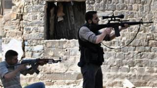 مقاتلون سوريون