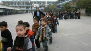 تلاميد فلسطينيون في مدرسة تابعة للأونروا