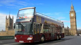 安徽安凯公司生产的双层敞篷游览巴士