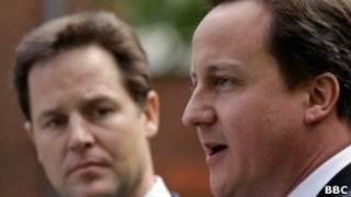 رئيس الوزراء البريطاني، ديفيد كاميرون مع نيك كليك، زعيم حزب الديمقراطيين الأحرار