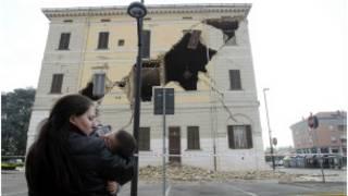 اٹلی میں زلزلے سے متاثر عمارت کی تصویر
