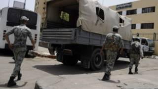 استعدادات لتأمين مركز اقتراع في القاهرة