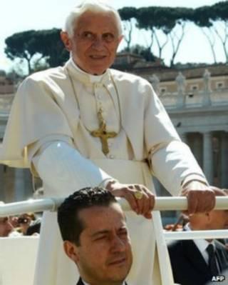 پائلو گابریله همراه پاپ