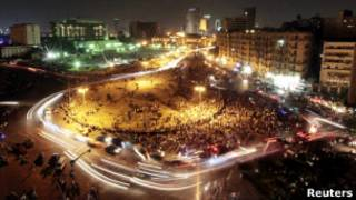 Демонстранты на площади Тахрир в понедельник вечером
