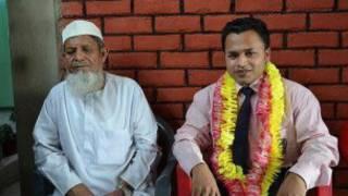 محمد عصمت اپنے والد کے ساتھ