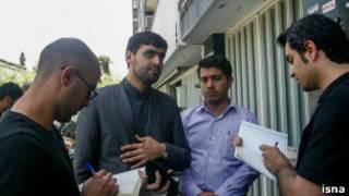 سعید جابری انصاری در مقابل خانه سینما