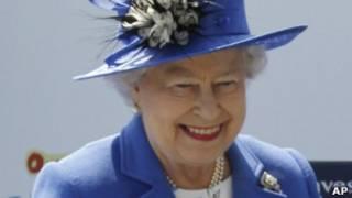 Elizabeth 2ª no início das celebrações do jubileu, neste sábado (AP)