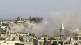 غارات جوية على حمص