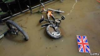 Велосипед в воде