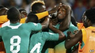 فرحة لاعبي ساحل العاج بالهدف الثاني