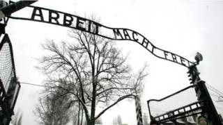 Ворота лагеря в Освенциме