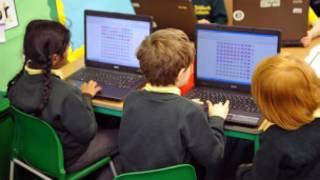 小学生使用电脑