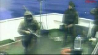یورش سربازان اسرائیلی به کشتی ماوی مرمره که حاوی کمک به غزه بود
