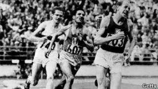 扎托佩克在1952年赫爾辛基奧運會上連奪三枚金牌
