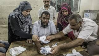 فرز الاصوات في الانتخابات المصرية