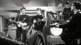 Foto da primeira sessão de gravação dos Beatles