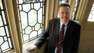 谢菲尔德大学校长Keith Burnett教授是一位热衷中国文化的物理学家