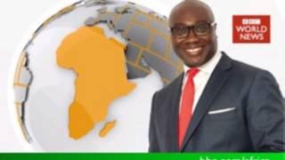 """Komla Dumor présentant le magazine """"Africa Business Report"""" sur BBC World News"""
