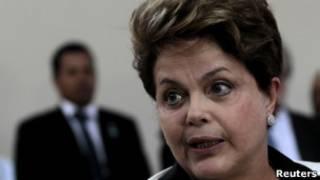 A presidente Dilma Rousseff, em entrevista antes de deixar a reunião do G20, em Los Cabos, no México (Foto: Reuters)