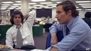Bob Woodward (phải) và Carl Bernstein.