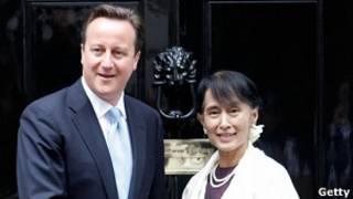 Dabvid Cameron and Daw Aung San Suu Kyi