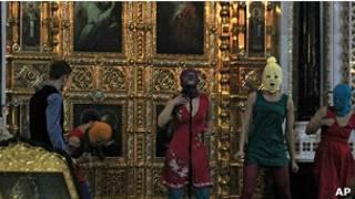 """""""Панк-молебен"""" Pussy Riot в храме Христа Спасителя"""