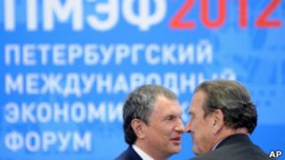 """Игорь Сечин, глава """"Роснефти"""", и экс-канцлер Германии Герхард Шредер"""