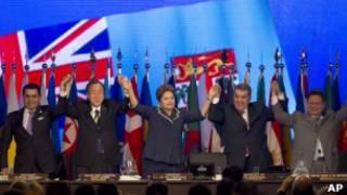 قادة العالم في ختام القمة