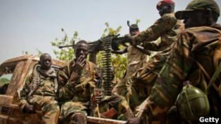 سودان و سودان جنوبی، یکدیگر را به حمایت از شورشیان متهم میکنند.