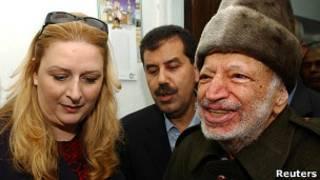 Suha e Yasser Arafat   Crédito da foto: Reuters