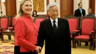 Bà Hillary Clinton gặp ông Nguyễn Phú Trọng ở Hà Nội ngày 10/7/2012