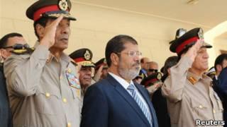 فیلدمارشال حسین طنطاوی، فرمانده ارتش مصر و محمد مرسی