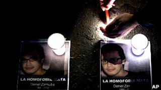cartel recordanto a daniel zamudio, joven homosexual chileno asesinado en 2002