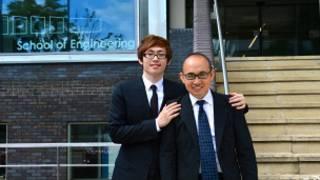 潘石屹和儿子潘瑞在华威大学