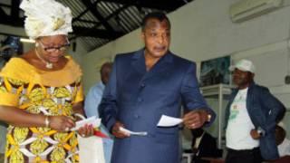 Le président Sassou Nguesso et son épouse
