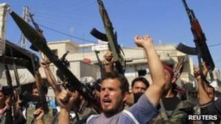 مقاتلون من المعارضة السورية