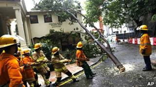 Последствия тайфуна в Гонконге