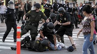 عنف، تظاهرات، كاليفورنيا