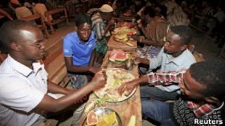 إفطار جماعي في الصومال