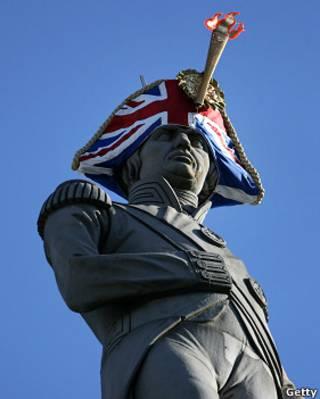 納爾遜爵士戴著新帽子屹立在特拉法加廣場上