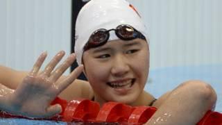 中國獲金牌游泳運動員葉詩文