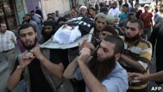 تشييع قتيل في غارة اسرائيلية بغزة