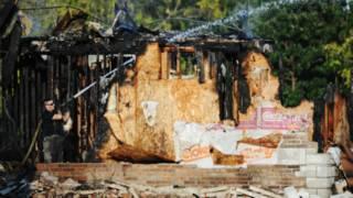ما تبقى من المركز الإسلامي في جوبلين بعد حرقه
