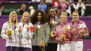 Las estadounidenses Serena Williamsy  Venus Williams, las checas Andrea Hlavackova y Lucie Hradecka y las rusas Maria Kirilenko y Nadia Petrova