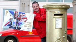 皇家邮政通过出邮票和漆邮筒的方式纪念奥运金牌