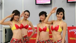 Các 'vũ công' của VietJetAir
