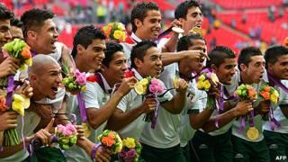 تیم فوتبال مکزیک